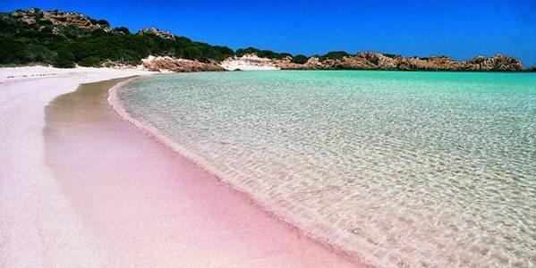 Isola di Budelli con la magnifica Spiaggia Rosa - La nostra Italia
