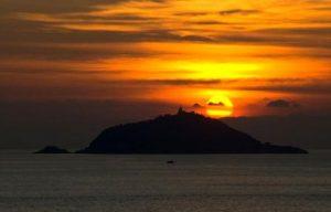 isola-del-tino-tramonto